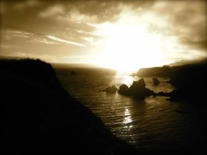 sea rushing to the rocks